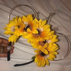 Accessories - Sunflower Wire Mouse Ears